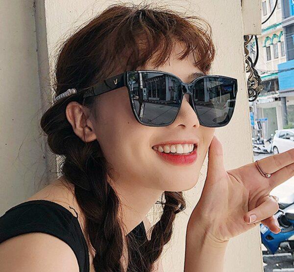משקפי שמש לאישה דגם 1670